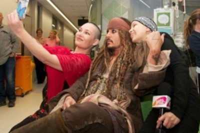 Johnny Depp visited a hospital for children with cancer.