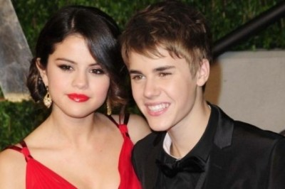 Justin Bieber Posted an Old  Photo with Selena Gomez