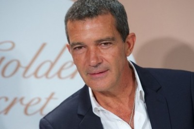 Antonio Banderas returns to school