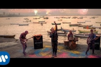 Coldplay - Hymn For The Weekend Official video
