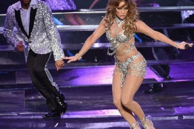 Jennifer Lopez shows off her sexy curves in the 'Sin City'