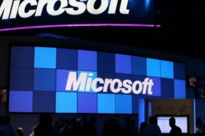 Microsoft alert email users about government hacking attacks